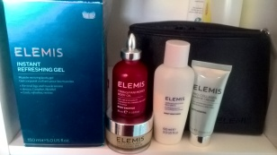 Elemis Refreshing Gel and free items